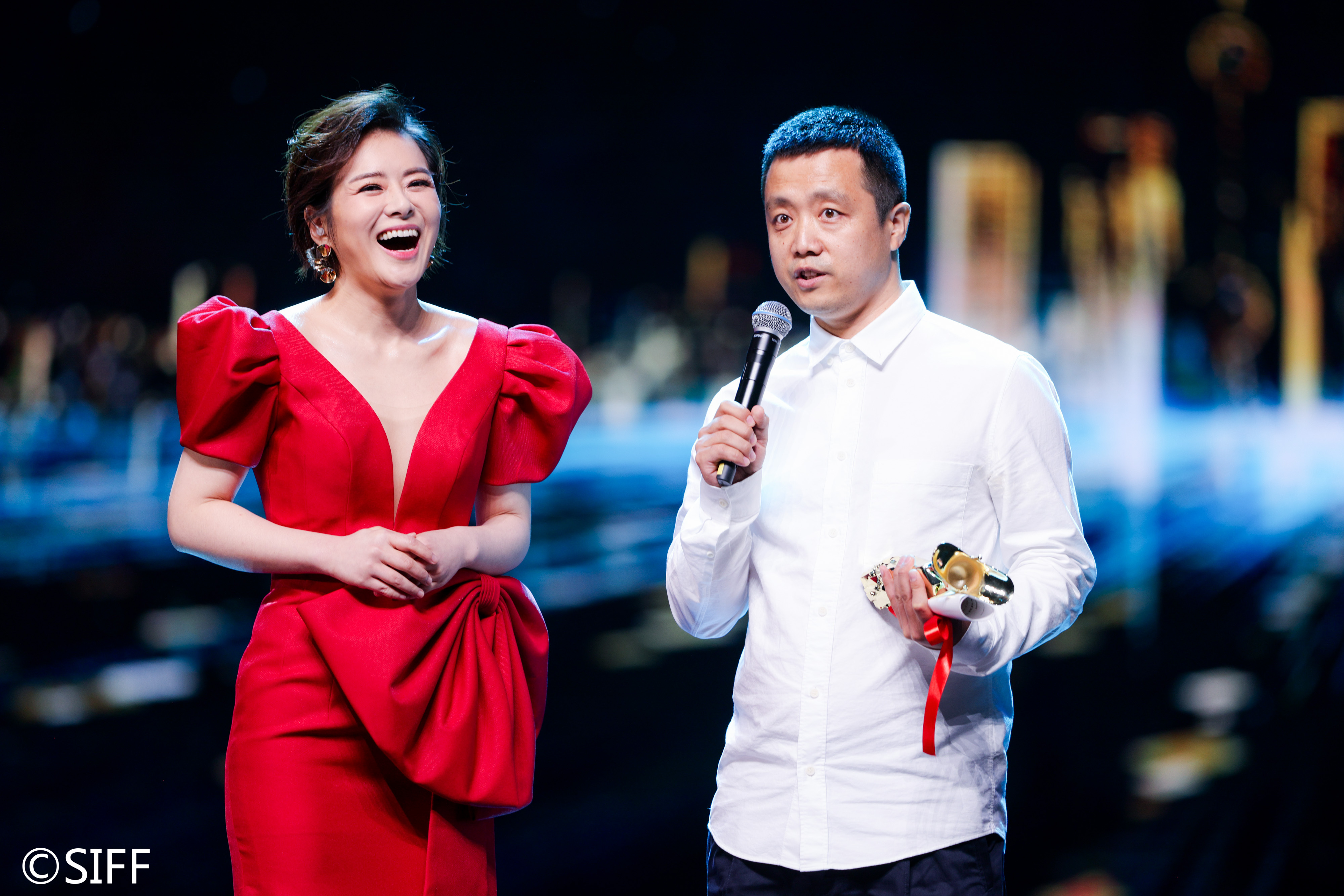 (From Left) Host, Yang Jin (Barbarian Invasion Project Producer)